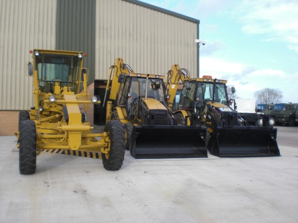 Caterpillar  Back hoe Wheeled loaders and Caterpillar 140 G grader for Ukraine Used ex army truck for sale