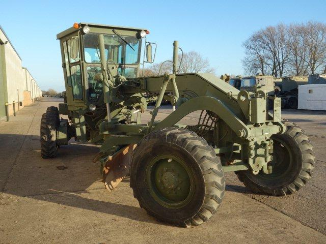 New arrivals 8 ex.MOD Caterpillar 130G graders