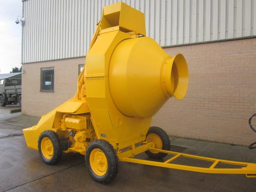 Were sold 2x Winget 400R concrete mixers Used ex army truck for sale